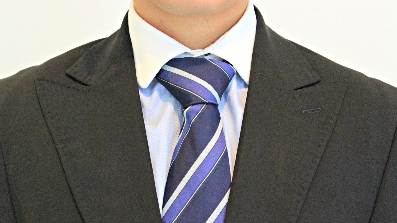 nudo de corbata doble paso a paso