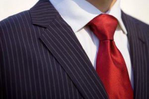 como hacer el nudo de corbata windsor