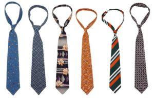 nudo de corbata fino o pequeño